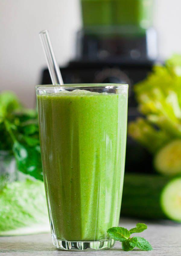 detoxifiere cu smoothie verde